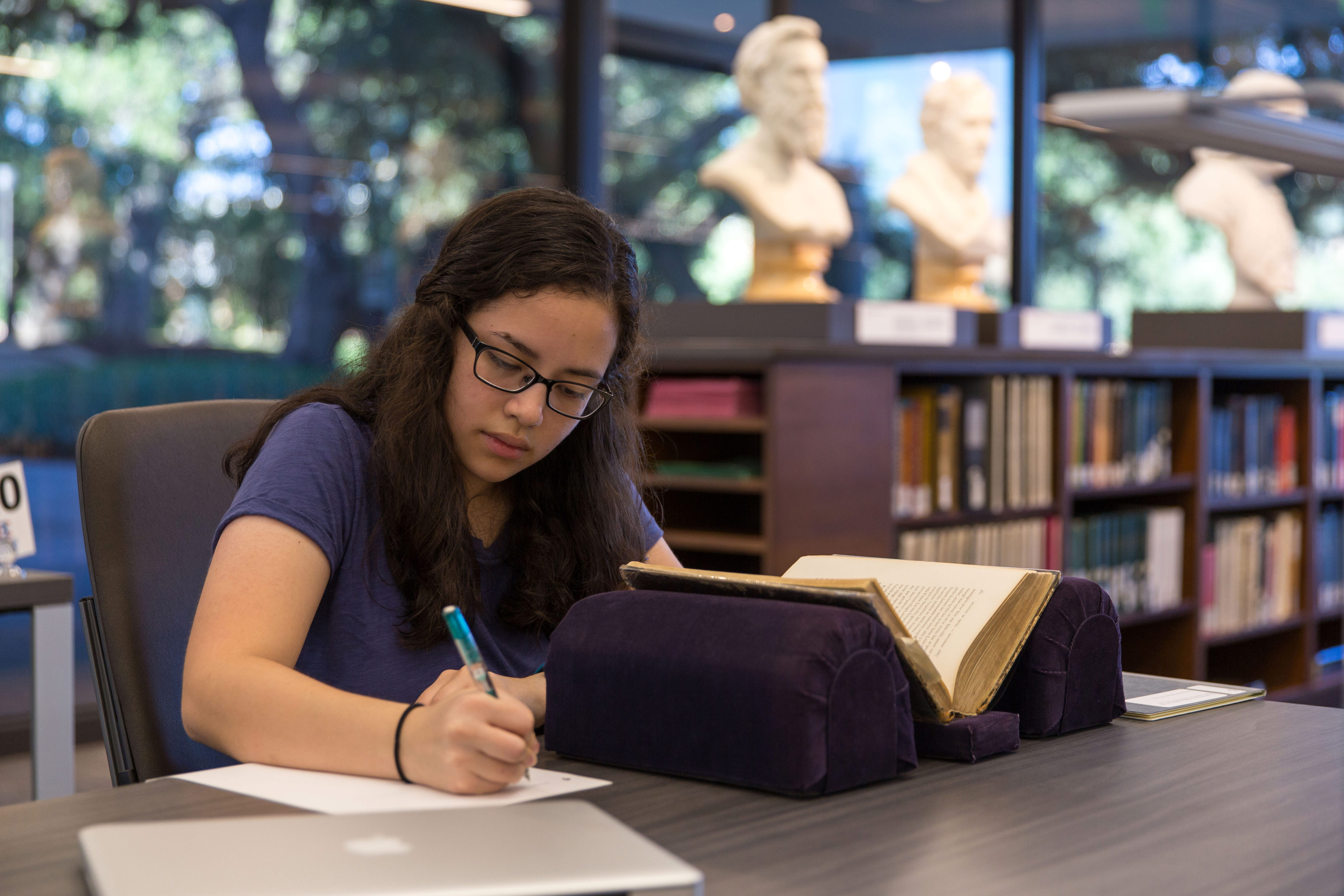 A student researches at the Briscoe Center