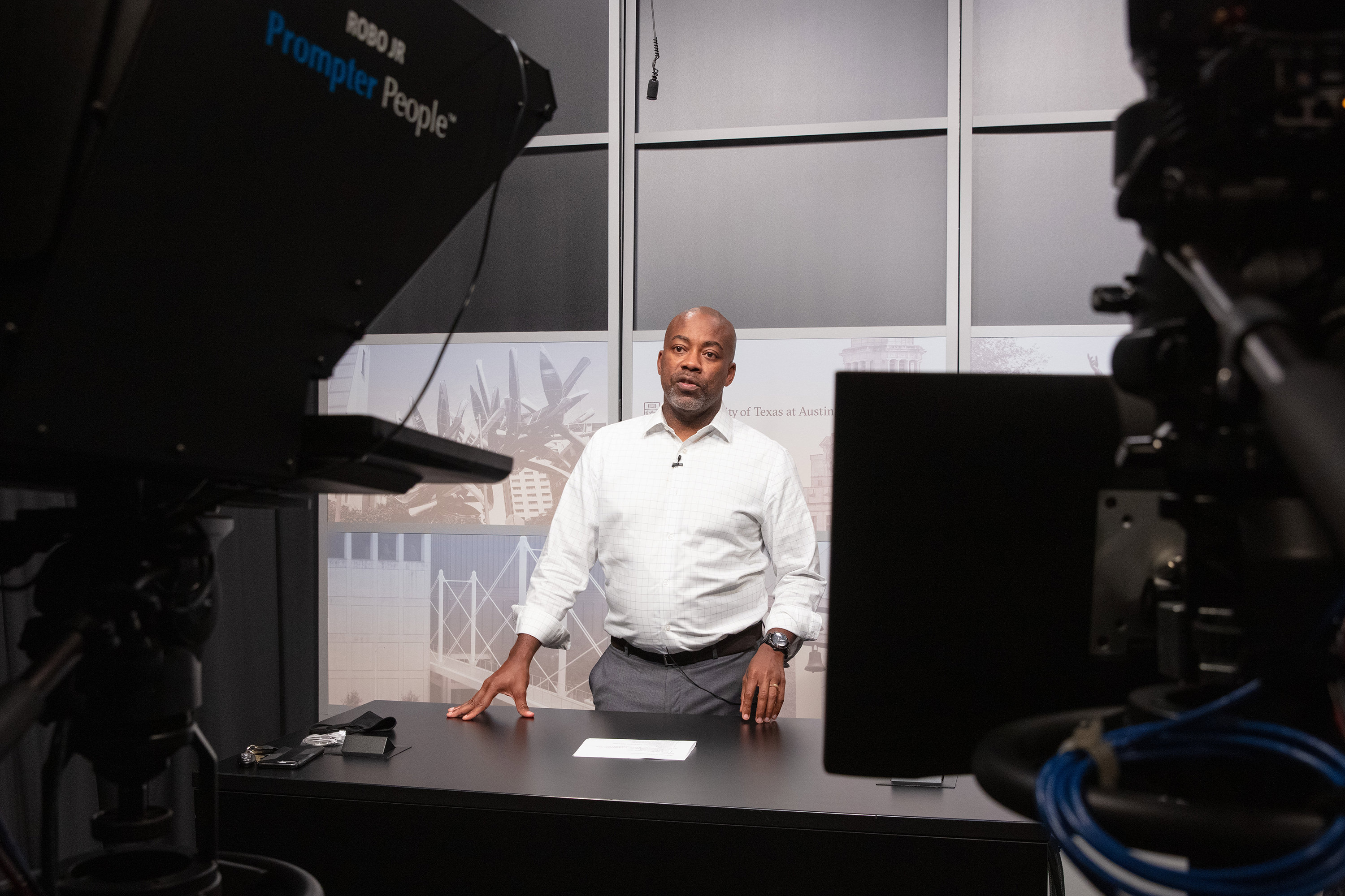 Dr. Leonard Moore delivers his University Lecture Series talk