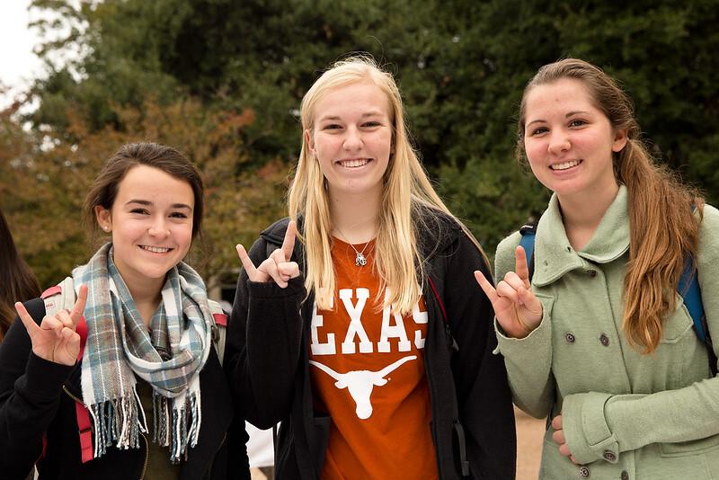 three-friends-hook-em-signs