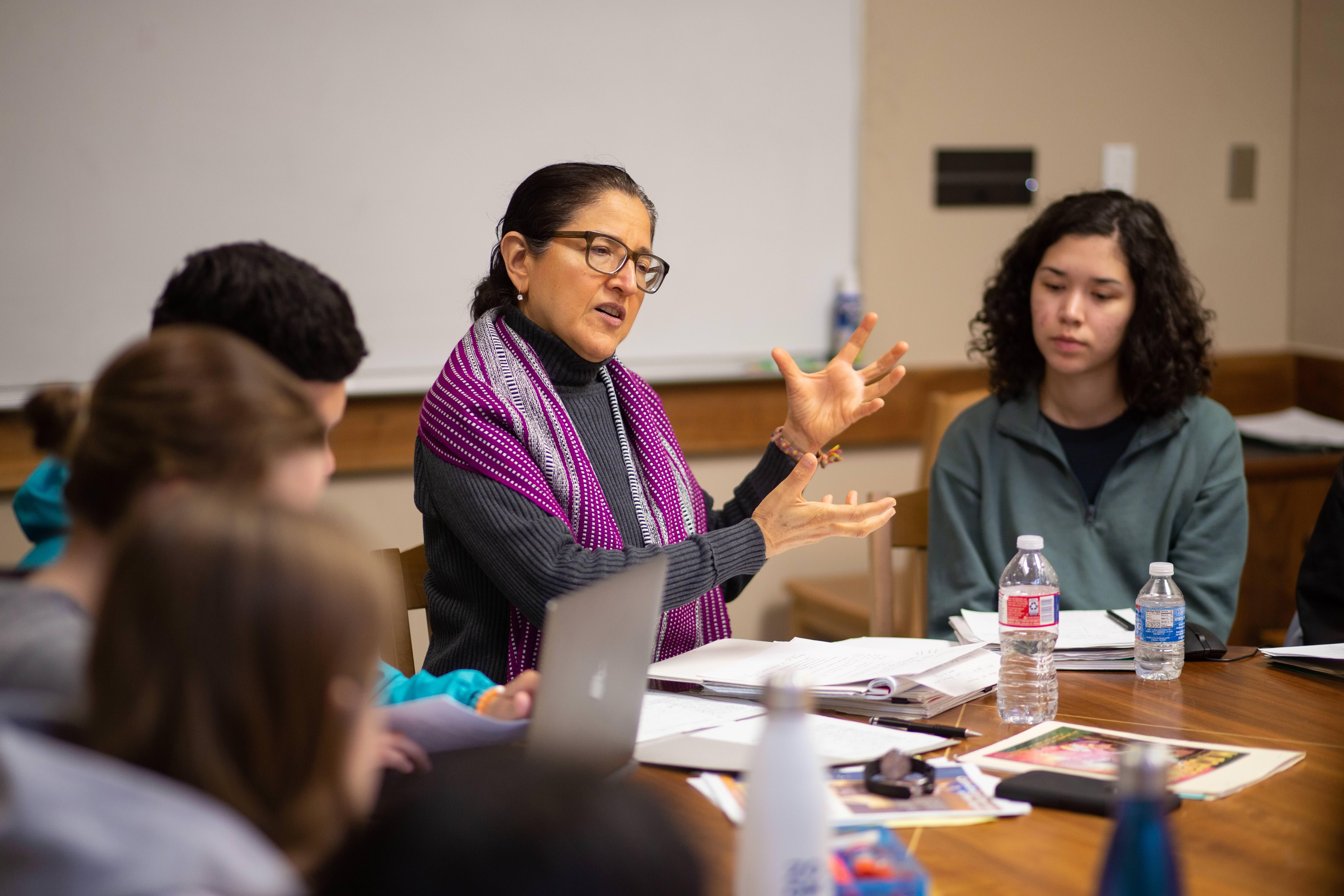 Gloria Gonzalez-Lopez Teaches Her Signature Course